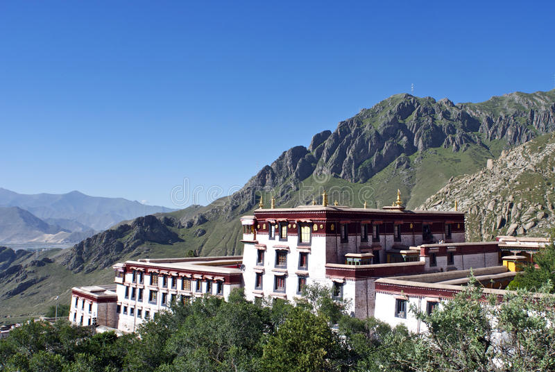 Avvicinamento del monastero di Drepung immagine stock libera da diritti