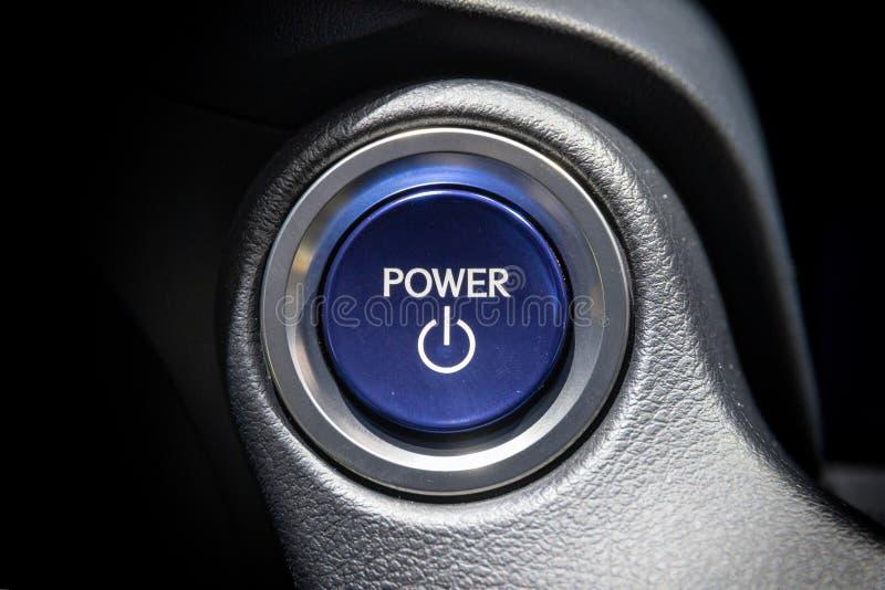 Avvii l'automobile del bottone del motore fotografia stock
