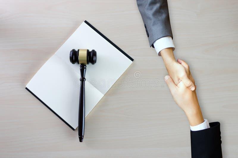 Avvocato Legal Trust della giustizia in Team Lawyer della vittoria di legge il caso l fotografia stock libera da diritti