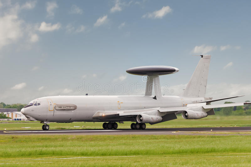 AWACS het landen stock fotografie