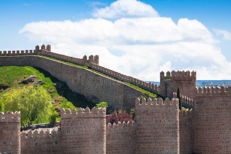 awakener 阿维拉墙壁,亦称murallas de阿维拉详细的看法  免版税库存照片
