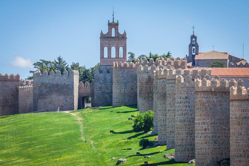 awakener 阿维拉墙壁,亦称murallas de阿维拉详细的看法  库存照片