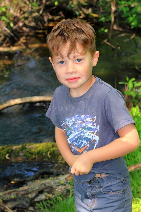 Awanturniczy chłopiec dziecko obraz stock