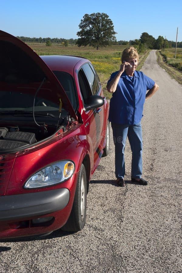 awarii samochodu dojrzała drogowa starsza kłopotu kobieta obrazy royalty free