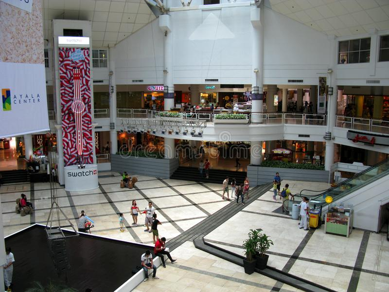 Ayala mittgalleria i Makati, tunnelbana Manila royaltyfria bilder