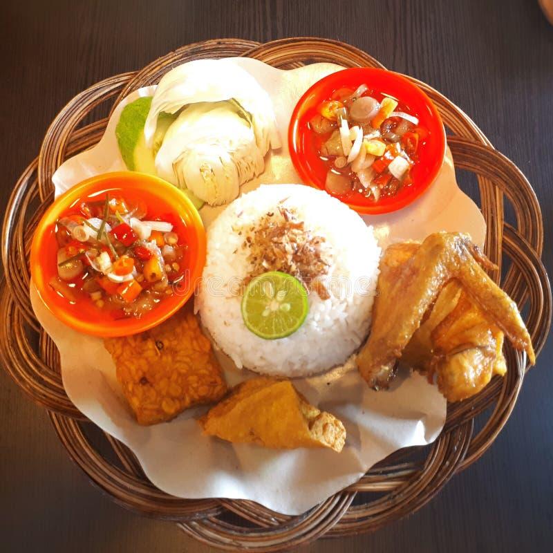 Ayam-goreng stockfotos