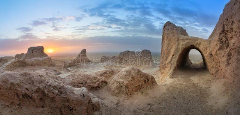 Ayaz Kala堡垒,乌兹别克斯坦被放弃的废墟  库存照片