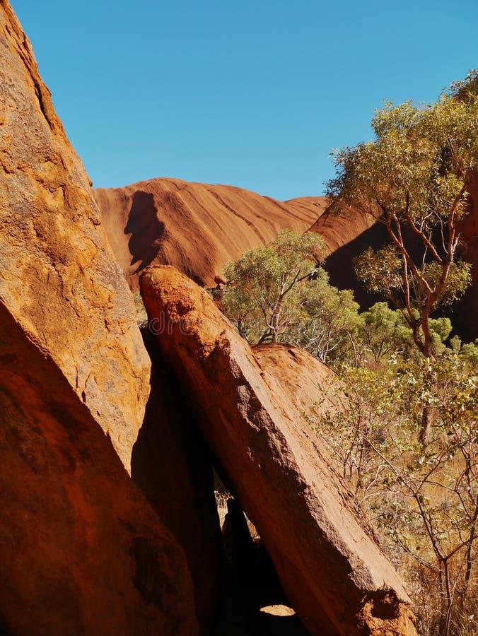 Ayers vaggar eller Uluru i Australien royaltyfria bilder