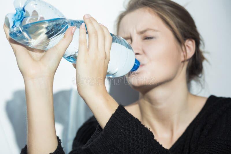 Ayez besoin toujours de plus d'eau image libre de droits