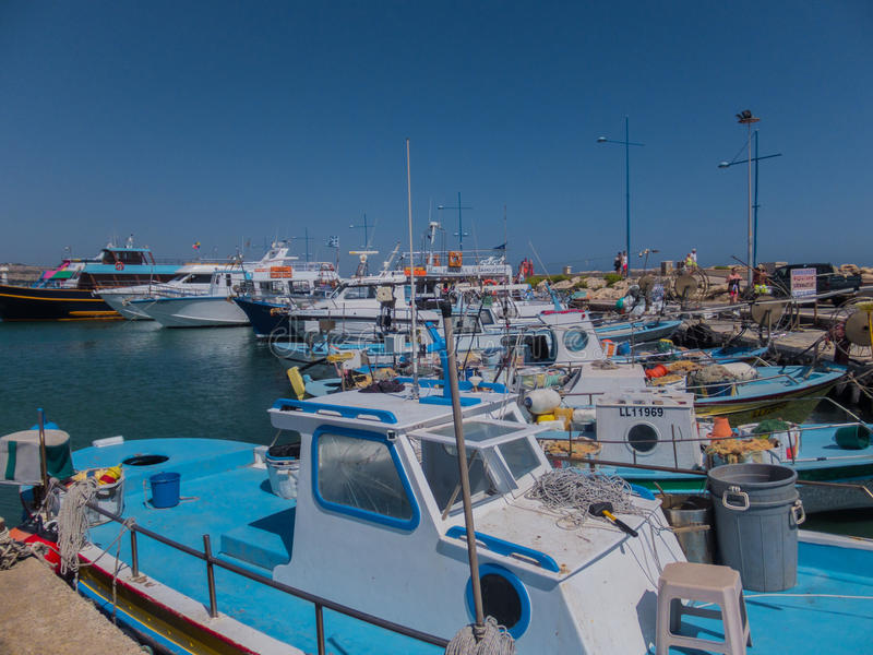 Ayia Napa, Cypr, łodzie rybackie i jachty, zdjęcia stock