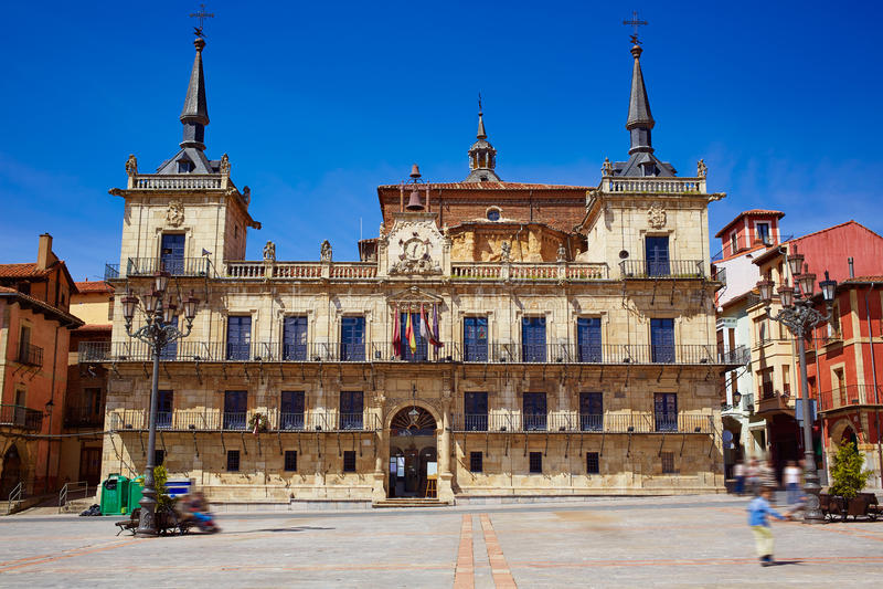 Ayuntamiento αιθουσών πόλεων του Leon στο τετράγωνο δημάρχου Plaza στοκ φωτογραφία με δικαίωμα ελεύθερης χρήσης