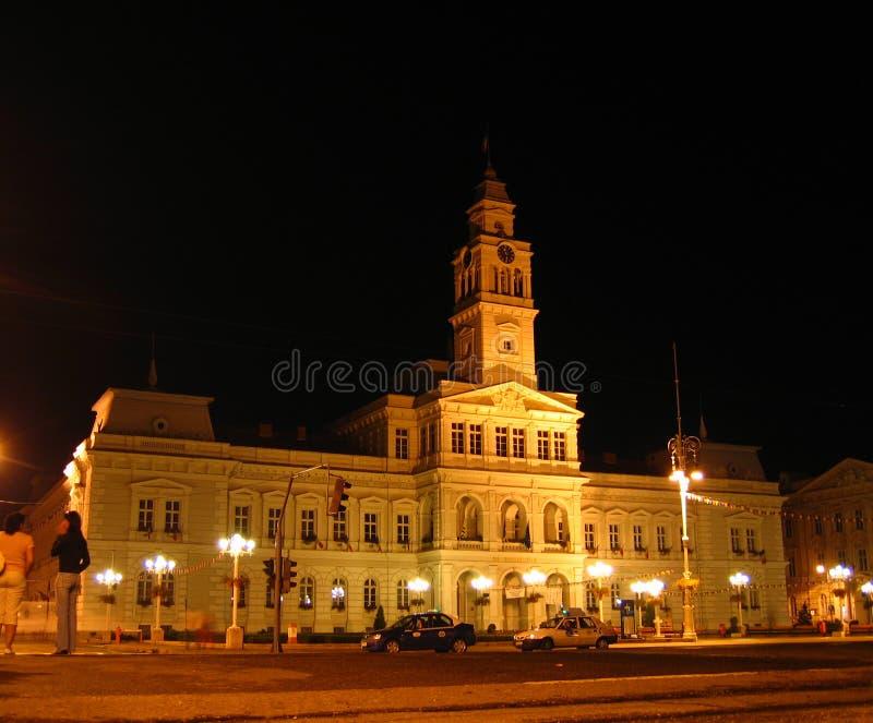 Ayuntamiento - Arad, Rumania la noche imagen de archivo libre de regalías