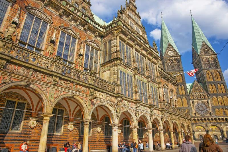Ayuntamiento Bremen y catedral en Bremen en Alemania foto de archivo