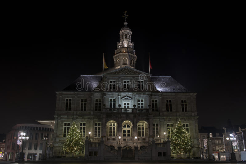 Ayuntamiento de Maastricht en mercado fotos de archivo libres de regalías