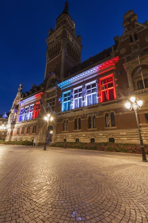 Ayuntamiento Dunkerque imagenes de archivo
