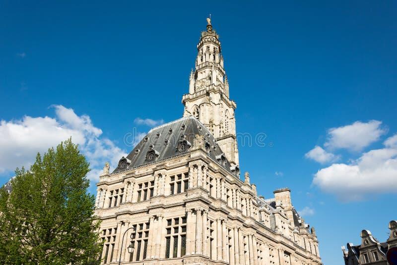 Ayuntamiento el Arras y campanario imagen de archivo