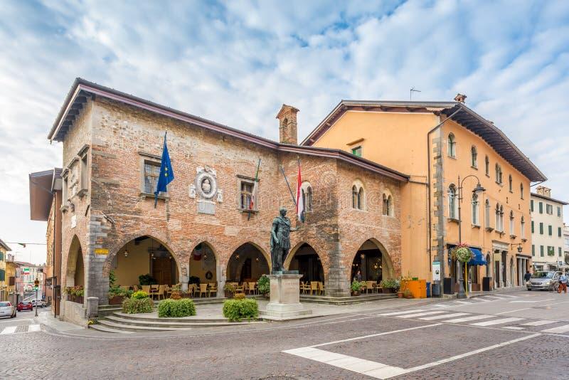 Ayuntamiento en Cividale del Friuli imagenes de archivo