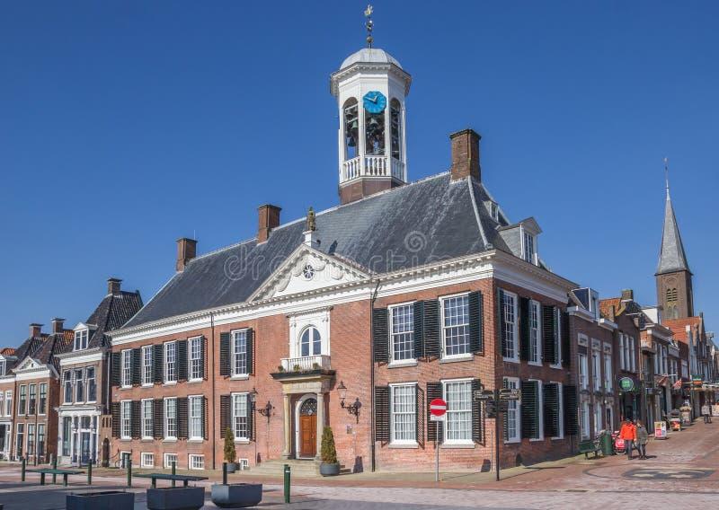 Ayuntamiento en el centro histórico de Dokkum foto de archivo libre de regalías