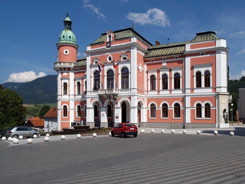 Ayuntamiento en Ruzomberok, Eslovaquia fotografía de archivo libre de regalías