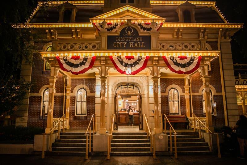 Ayuntamiento, Main Street los E.E.U.U. Disneyland foto de archivo libre de regalías