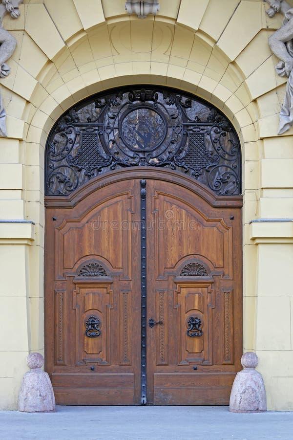 Ayuntamiento Szeged de la puerta imágenes de archivo libres de regalías