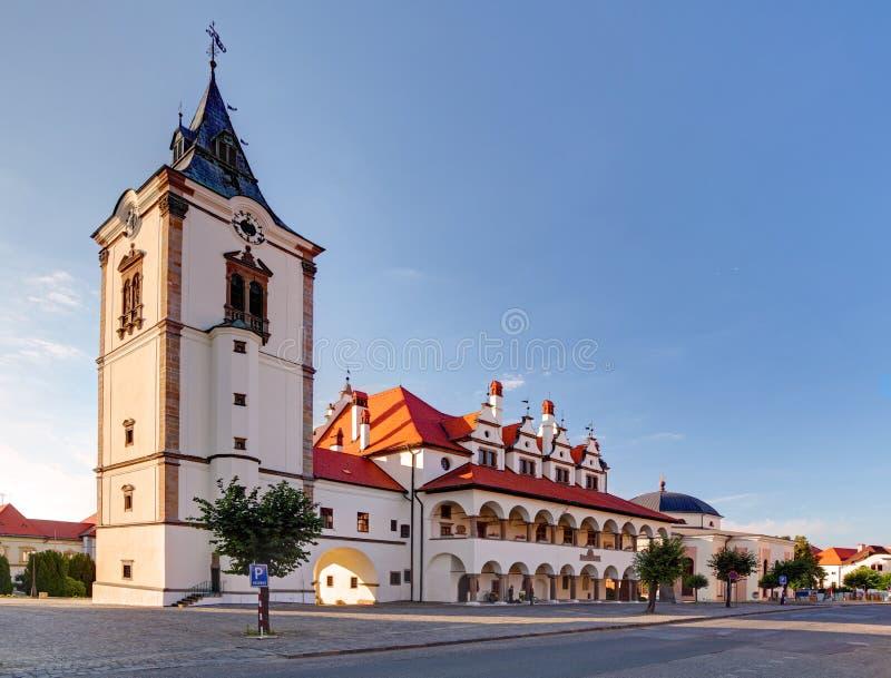 Ayuntamiento viejo en la ciudad de Levoca - Eslovaquia foto de archivo