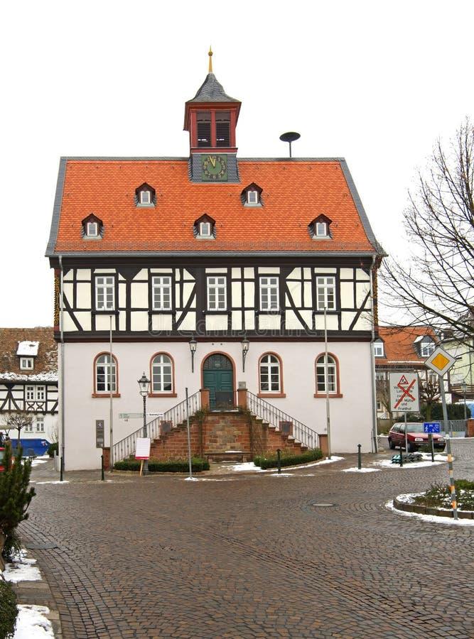 Ayuntamiento viejo en mún Vilbel alemania imagen de archivo