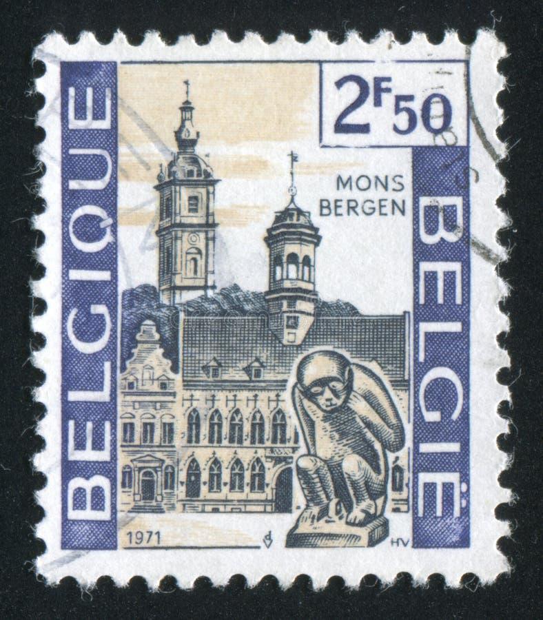 Ayuntamiento y campanario, Mons imagenes de archivo