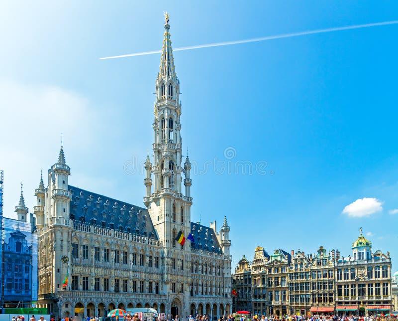 Ayuntamiento y casas del gremio, Bruselas fotos de archivo
