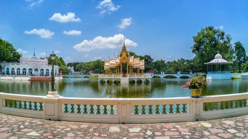 Ayutthaya, Таиланд - 31-ое июля 2017: Дворец боли челки королевский, стоковая фотография rf