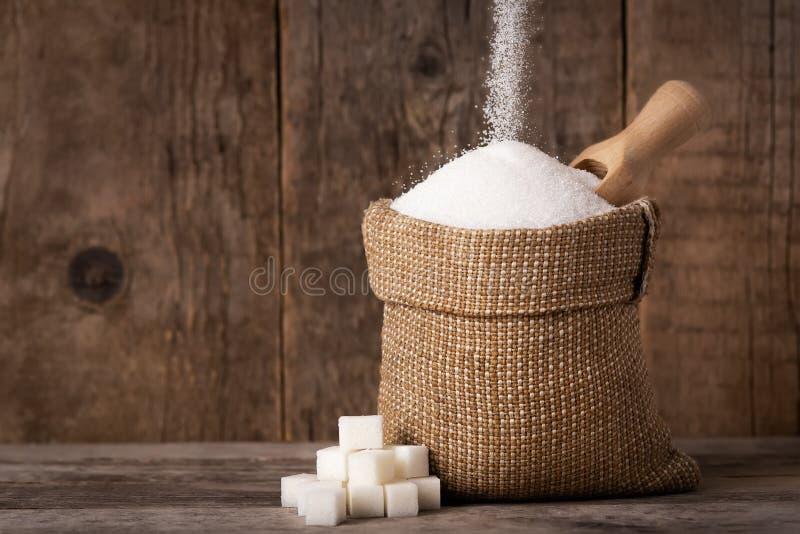 Azúcar en saco de la arpillera fotografía de archivo libre de regalías