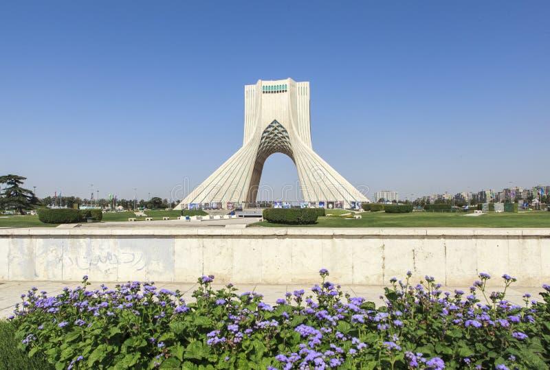 Azadi torn i Teheran, Iran royaltyfria foton