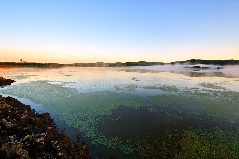 Azalii jeziora wschód słońca obrazy royalty free