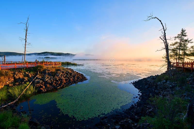 Azalii jeziora wschód słońca obraz royalty free
