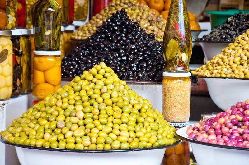 azeitonas e azeite Multi-coloridos imagens de stock royalty free