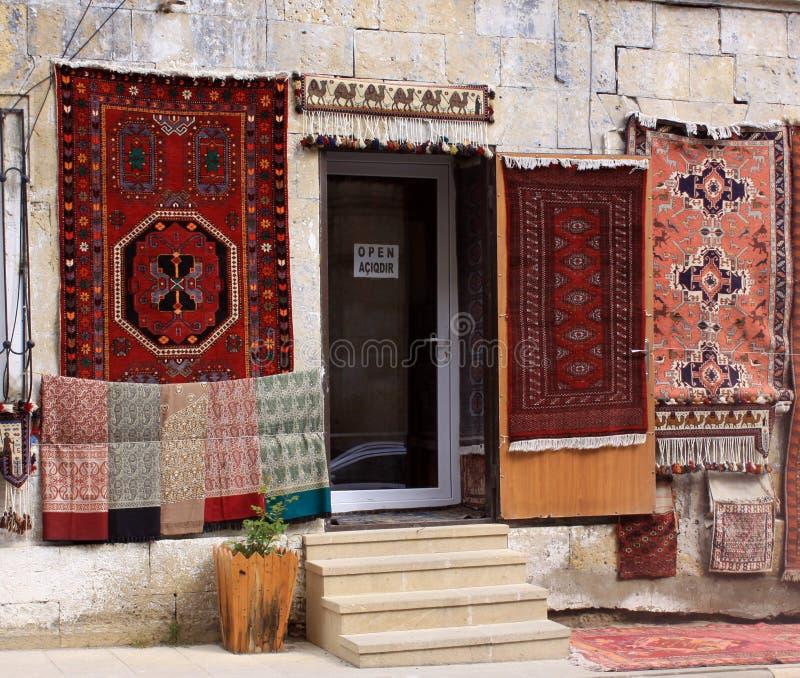 azerbaijan baku Veiw van stadsstraten Tapijtwinkel in oude stad royalty-vrije stock foto