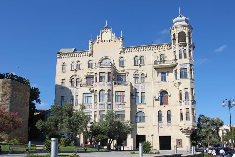 Azerbejdżan baku Budujący dokąd żyjący Charles De Gaulle zdjęcie royalty free