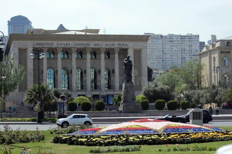 Azerbejdżan dramata Krajowy Akademicki Theatre z Fizuli zabytkiem w przodzie fotografia stock