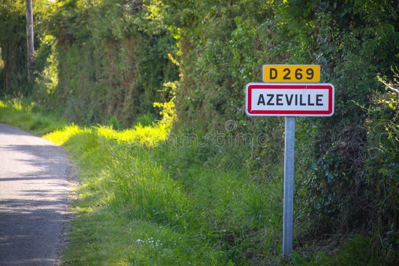Azeville, señal de tráfico de la ciudad foto de archivo