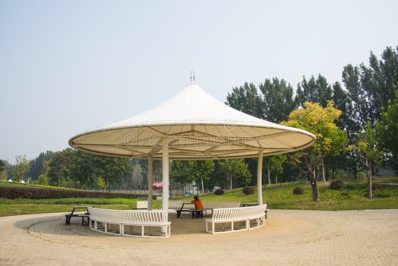 Azië, China, Peking, shunyi bloeit, haven, wit rond paviljoen royalty-vrije stock foto