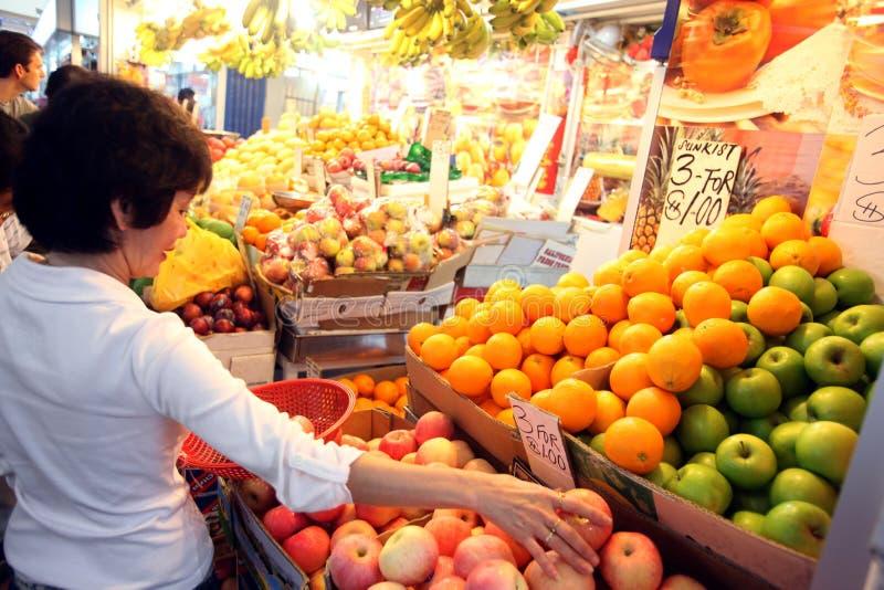 AZIË SINGAPORE WEINIG INDIA FRUITMARKET stock fotografie