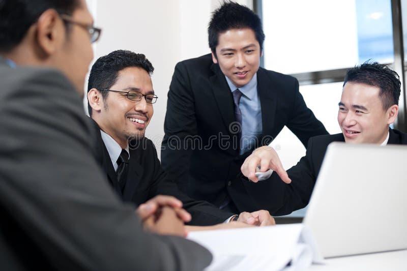 Aziatisch Commercieel Team stock foto