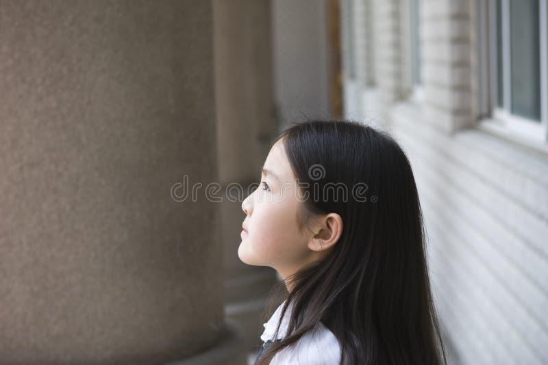 Aziatisch schoolmeisje stock foto's