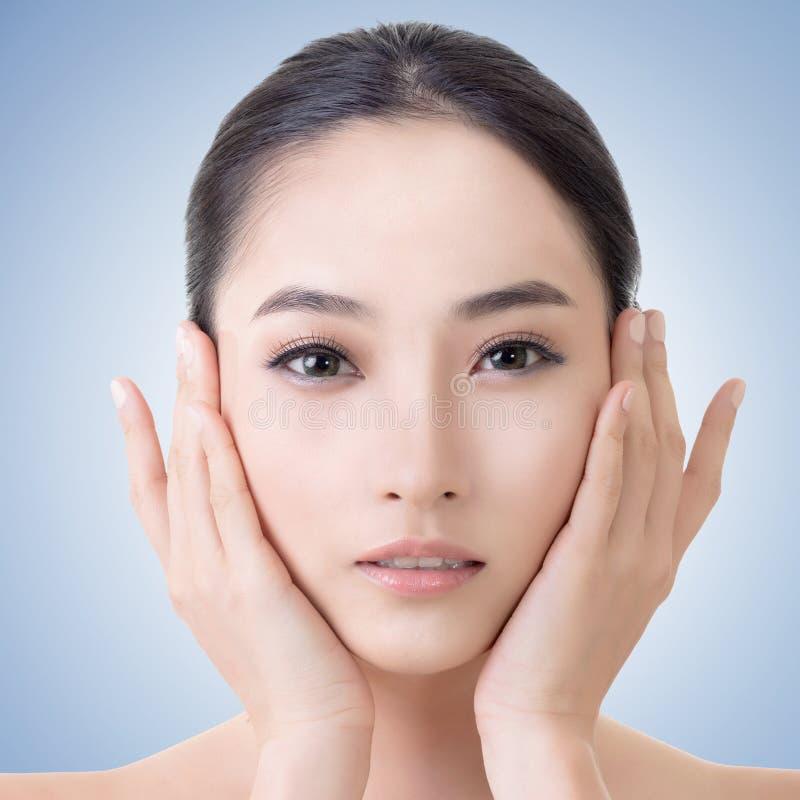 Aziatisch schoonheidsgezicht stock foto