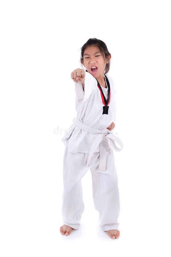 Aziatisch taekwondomeisje op witte achtergrond stock foto's