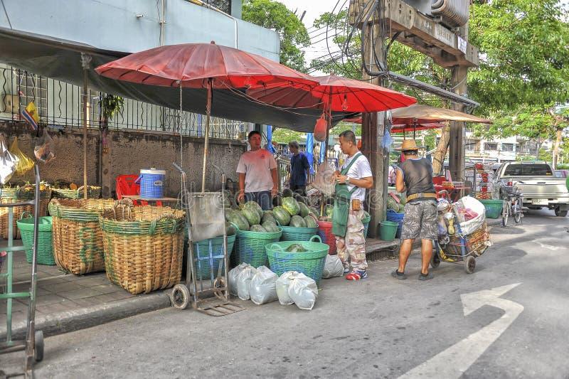 Aziatisch vers fruit en plantaardige markt stock foto's
