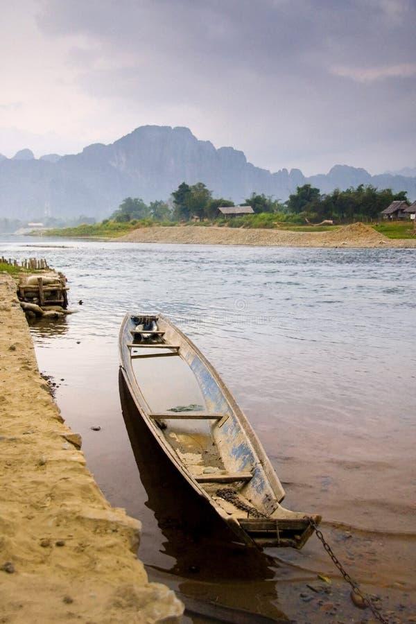 Aziatische Boot en Rivier stock fotografie