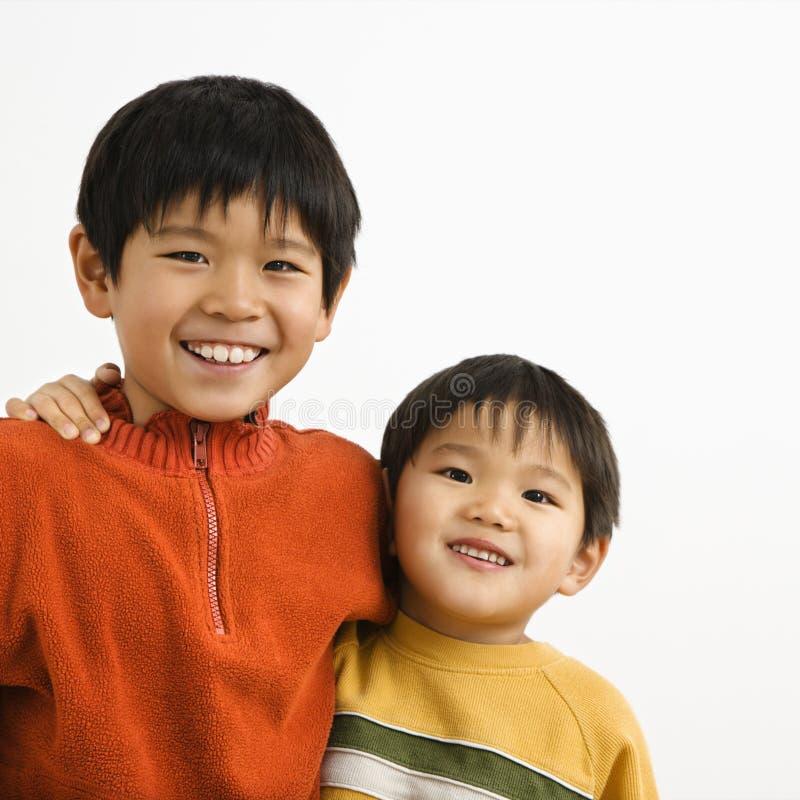 Aziatische broers stock foto