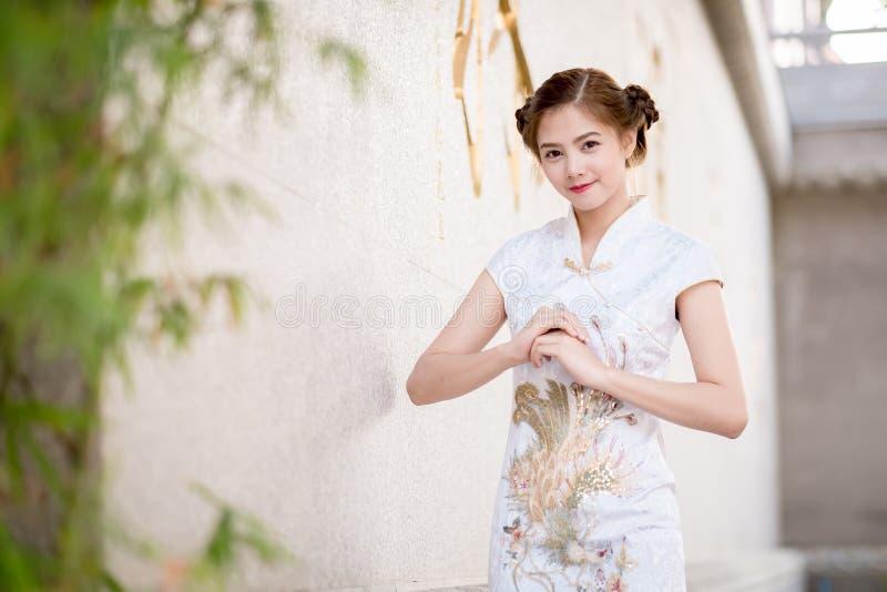 Aziatische Chinese vrouw royalty-vrije stock afbeeldingen
