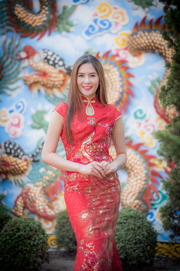 Aziatische Chinese vrouw in Traditionele Chinees stock foto